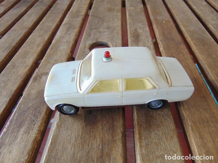 COCHE SEAT 124 AMBULANCIA DE GOZAN A FRICCION (Juguetes - Marcas Clásicas - Gozán)