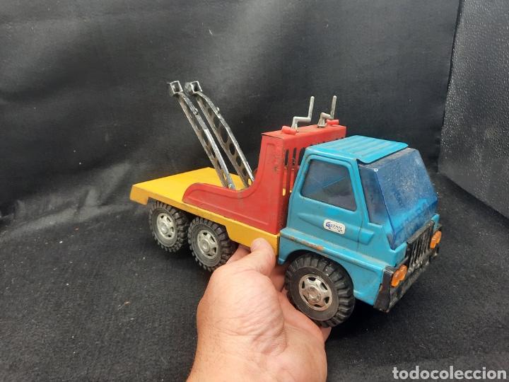 Juguetes antiguos Gozán: Antiguo camión grúa Tigre de gozán - Foto 2 - 255994595