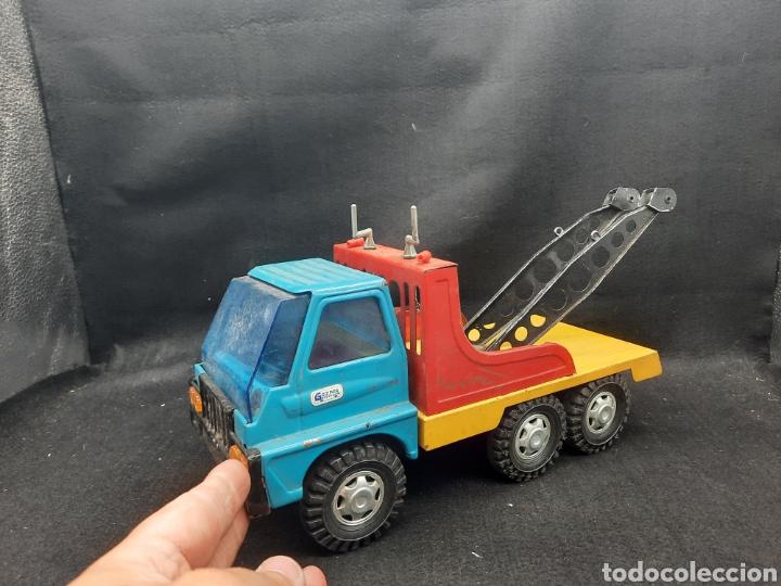 Juguetes antiguos Gozán: Antiguo camión grúa Tigre de gozán - Foto 3 - 255994595