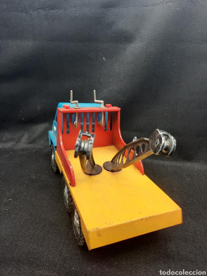 Juguetes antiguos Gozán: Antiguo camión grúa Tigre de gozán - Foto 5 - 255994595