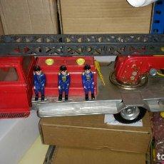 Brinquedos antigos Gozán: ANTIGUO CAMION DE BOMBEROS FORD DE CHAPA Y PLASTICO GOZAN - AÑOS 60 MADE IN SPAIN. Lote 266306623