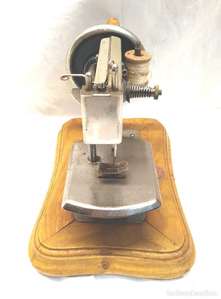 Juguetes antiguos Gozán: Maquina de Coser Gozan Mod 225, funciona - Foto 3 - 277050298