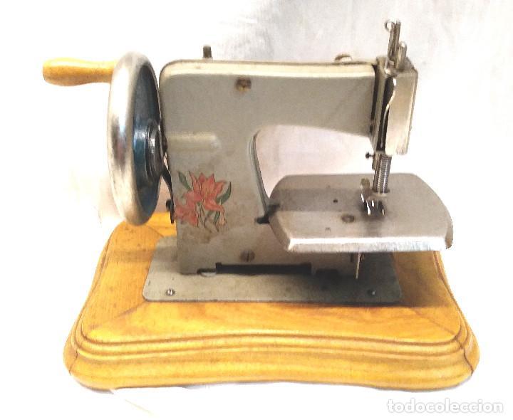 Juguetes antiguos Gozán: Maquina de Coser Gozan Mod 225, funciona - Foto 4 - 277050298