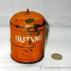 Juguetes antiguos de hojalata: BOTELLA DE BUTANO DE HOJALATA. AÑOS 50. CAJA. Lote 37470301