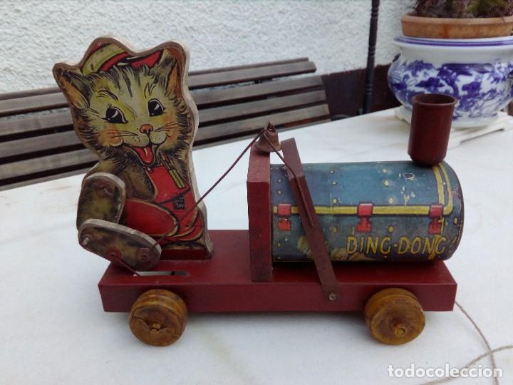 Tren arrastre gato lata y madera comprar juguetes - Juguetes antiguos de madera ...