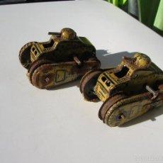 Juguetes antiguos de hojalata: LOTE DE DOS TANQUES GAMA T-56.GERMANY.AÑOS 30-40.. Lote 59992067