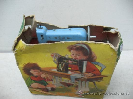 Juguetes antiguos Joal: Joal - Antigua máquina de coser de juguete - Foto 8 - 38791990