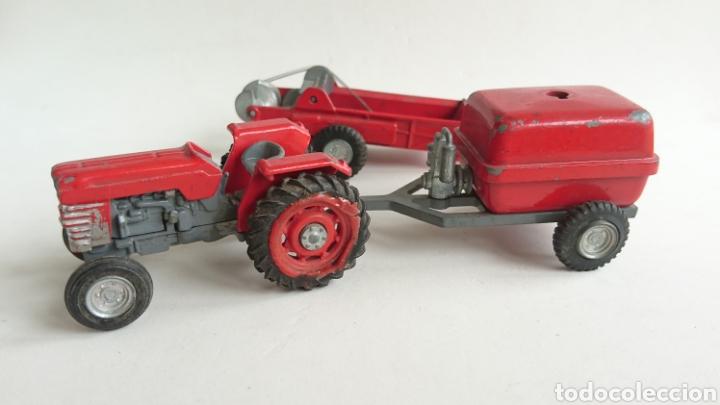 Juguetes antiguos Joal: Lote joal tractor Massey pulverizador 205 y remolque abono 204 - Foto 3 - 112688588