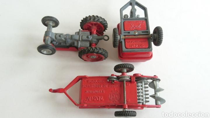 Juguetes antiguos Joal: Lote joal tractor Massey pulverizador 205 y remolque abono 204 - Foto 7 - 112688588