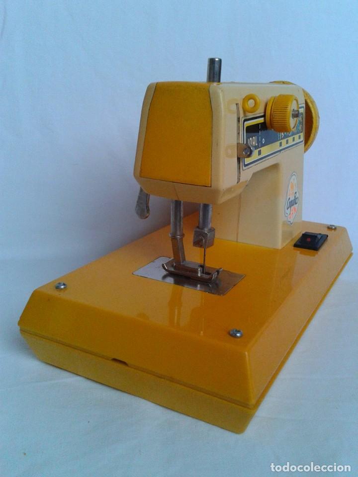 Juguetes antiguos Joal: Máquina de coser a pilas marca Joal Modelo Coqueta - Foto 3 - 219445997