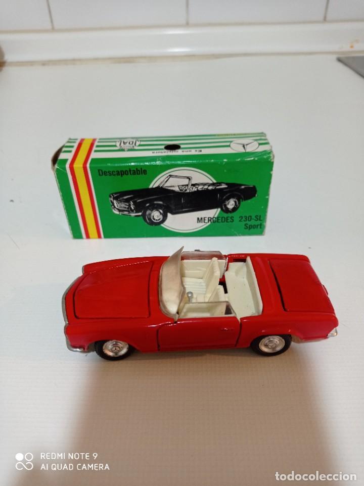 Juguetes antiguos Joal: Coche miniatura escala 1:43, Mercedes 230 SL rojo - Foto 3 - 248832390
