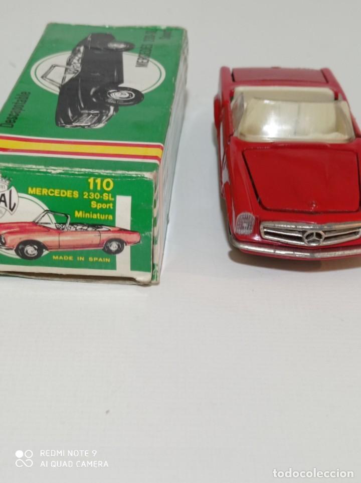 Juguetes antiguos Joal: Coche miniatura escala 1:43, Mercedes 230 SL rojo - Foto 6 - 248832390