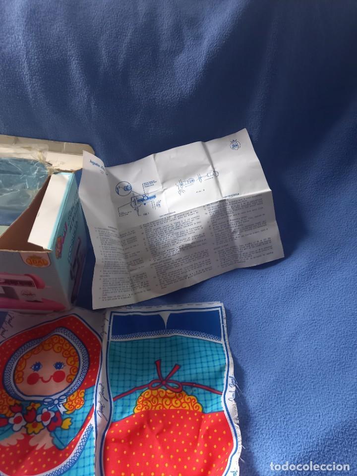 Juguetes antiguos Joal: Maquina de Coser COQUETA Miss JOAL Electrica ( a Pilas ) Color Rosa en su Caja - Foto 6 - 288976173