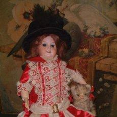 Brinquedos antigos e Jogos de coleção: VESTIMENTA DE UNA PIEZA, EN SEDA VINO Y RUSEL BLANCO, ENCAJES. FF.SG.XIX. ( 1890 - 1910 )PARA MUÑECA. Lote 10097969