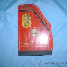 Juguetes antiguos y Juegos de colección: ANTIGUO INSTRUMENTO MUSICAL DE JUGUETE-LIRA PRECIOSA. Lote 27543488