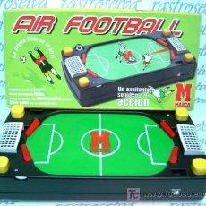 Juguetes antiguos y Juegos de colección: FUTBOLIN AIR FOOTBALL DE MARCA. FUNCIONA CON PILAS LE FALTAN LAS PELOTAS.. Lote 20925151