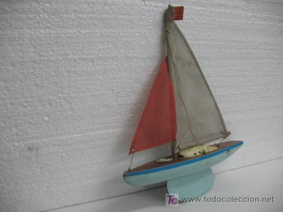 Juguetes antiguos y Juegos de colección: BARCO EN MADERA CON VELA - Foto 2 - 17336599
