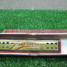Juguetes antiguos y Juegos de colección: (MARUXA) ARMONICA MADERA Y METAL. Lote 22202559