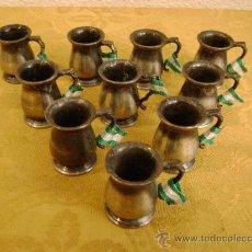 Juguetes antiguos y Juegos de colección: 10 JARRAS PLAYME CON LA BANDERA ANDALUZA.NO SACAPUNTAS. Lote 223484718