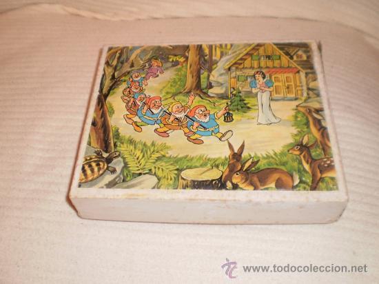 Juguetes antiguos y Juegos de colección: Antiguo rompecabezas de Blancanieves. Cubos de madera - Foto 2 - 26725681