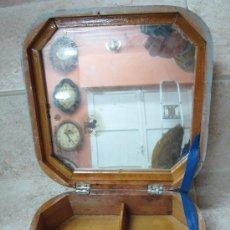 Juguetes antiguos y Juegos de colección: CABAS MADERA ESTUCHE CON ESPEJO. VER FOTOS - ANTIGUO ORIGINAL.. Lote 24301634