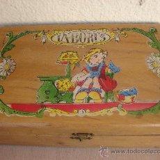 Juguetes antiguos y Juegos de colección: ANTIGUA CAJA DE LABORES DE NIÑA. DE MADERA. Lote 26890900