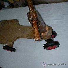 Juguetes antiguos y Juegos de colección: TRICICLO DE MADERA. Lote 27139014