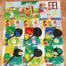 Juguetes antiguos y Juegos de colección: CARTON BLISTER COMPLETO * JOPAR * 9 BOLSITAS CON CACHARRITOS DE COCINA Y ALIMENTOS. AÑOS 80!!. Lote 28947293