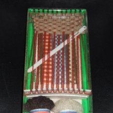 Juguetes antiguos y Juegos de colección: MINI TELAR * MAGDA * NUEVO Y PRECINTADO - AÑOS 60!!. Lote 32897688