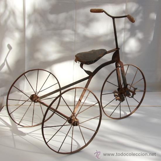 Juguetes antiguos y Juegos de colección: Triciclo antiguo. - Foto 2 - 33113877
