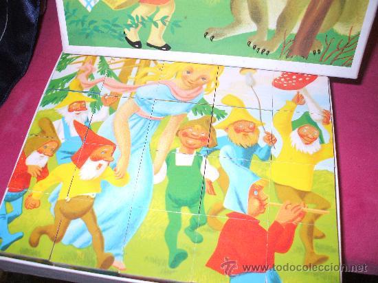 Juguetes antiguos y Juegos de colección: Rompecabezas en cubos con temas de cuentos tradicionales , mide20 x 18 aprox ,es de los 60 - Foto 2 - 34596683