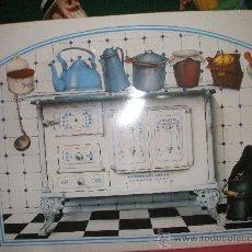 Juguetes antiguos y Juegos de colección: CHAPA METALICA LITOGRAFIADA FRENTE DE COCINA PARA COLOCAR IMANES MIDE50 X 35 ,INCORPORA 7 IMANES. Lote 34631786