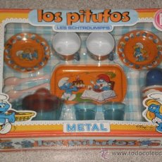 Juguetes antiguos y Juegos de colección: CAJA MENAJE DE HOGAR , LOS PITUFOS ( JUEGO ORIGINAL PEYO AÑO 1983 )REF:409/1 . PSE ( MADE IN SPAIN . Lote 36479540