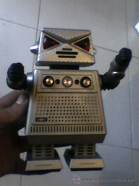 ROBOT RADIO 1977 ROBOT COMMAND I-M-1 RADIO FUNCIONANDO RETRO AÑO 1977 STARROID FUNCIONA 18 CMS (Juguetes - Varios)