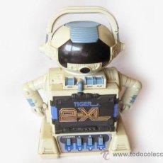 Juguetes antiguos y Juegos de colección: CASSETTE ROBOT TIGER 2-XL - 1992 TIGER ELECTRONICS. Lote 167644034