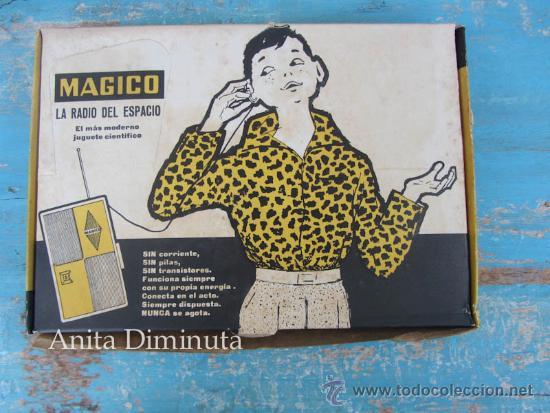 ANTIGUA RADIO DEL ESPACIO DE LA MARCA MAGICO - COMPLETO Y ORIGINAL - LA RADIO DE BOLSILLO - EN BUEN (Juguetes - Varios)