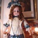 Juguetes antiguos y Juegos de colección: REPRODUCCIÓN VESTIDO MUÑECA FRANCESA ANTIGUA JUMEAU DE PATRON ORIGINAL DE ERNESTINE JUMEAU. Lote 39273356