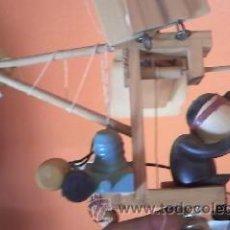 Juguetes antiguos y Juegos de colección: EXTRAORDINARIO Y DIFÍCIL JUGUETE MÓVIL DE LOS DIBUJOS DEL AVIADOR AMERICANO,CHIFLADO DE LOS AÑOS 80.. Lote 39533627