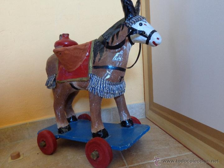Juguetes antiguos y Juegos de colección: Precioso burrito aguador juguete de cartón piedra - Foto 3 - 44310435