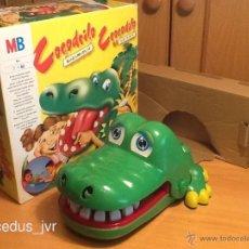 Juguetes antiguos y Juegos de colección: COCODRILO SACAMUELAS JUEGO PARA NIÑOS DE MB CON CAJA Y EN. Lote 40674718