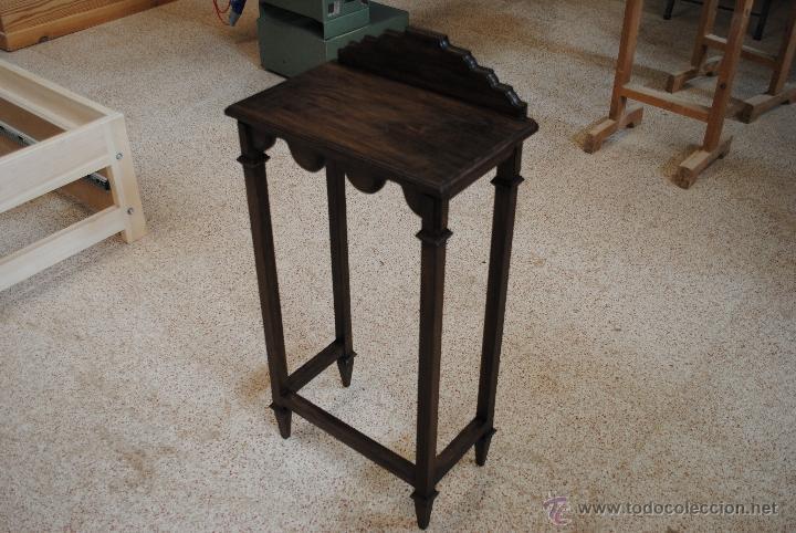 Juguetes antiguos y Juegos de colección: Mesita de madera pintada con estuco - Foto 3 - 40817949