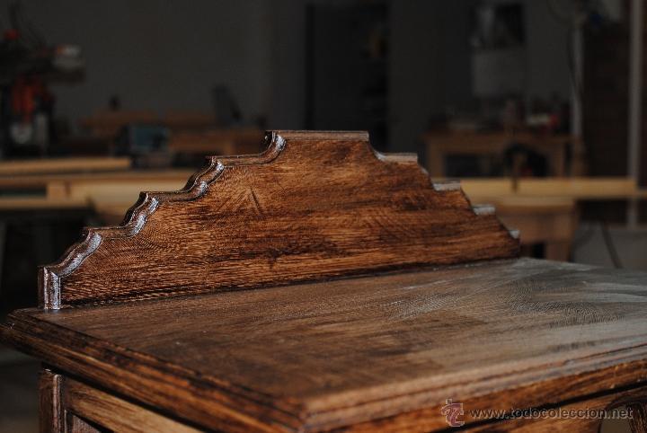 Juguetes antiguos y Juegos de colección: Mesita de madera pintada con estuco - Foto 12 - 40817949