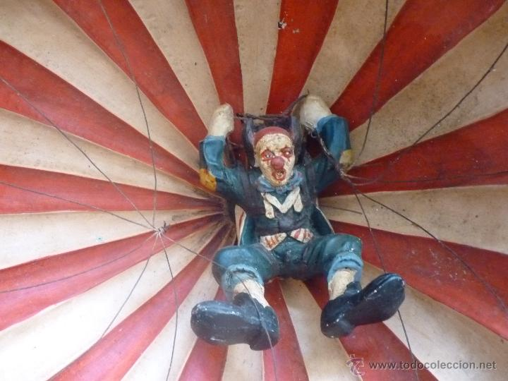 Juguetes antiguos y Juegos de colección: BONITO JUGUETE PAYASO PARACAIDISTA - Foto 3 - 41132226