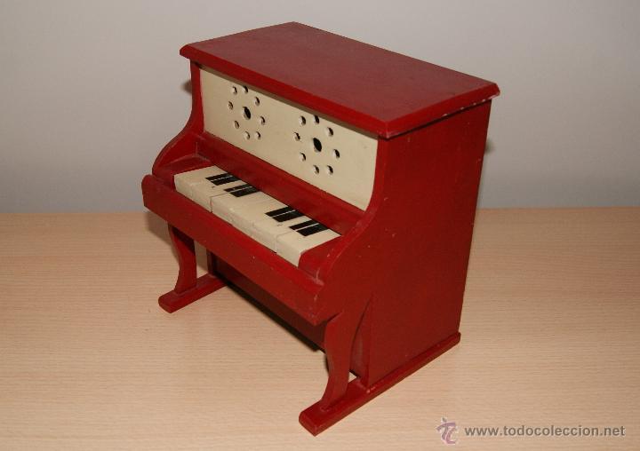 Juguetes antiguos y Juegos de colección: Antiguo PIANO de Juguete años 50 totalmente en madera. Funciona - Foto 2 - 42940838