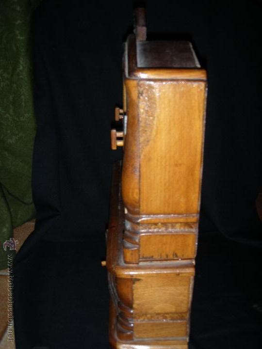 Juguetes antiguos y Juegos de colección: MUEBLE DE COMEDOR DE MADERA Y CRISTALES PARA MUÑECA NO ES MINIATURA - Foto 6 - 43186352