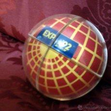 Juguetes antiguos y Juegos de colección: ESFERA TIPO CUBO DE RUBIK. EXPO 92. SEVILLA 1992. MERCHANDISING. Lote 44323699