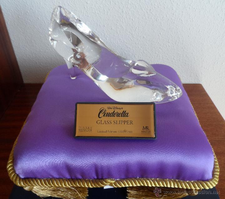 Juguetes antiguos y Juegos de colección: Master Replicas Cinderella Glass Slipper Limited Edition 2004 - Disney Showcase ¡Impecable! - Foto 2 - 45112259