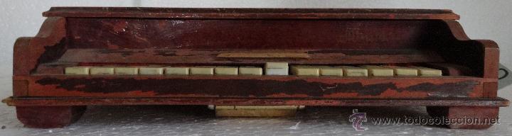 Juguetes antiguos y Juegos de colección: PIANA DE JUGUETE EN MADERA - XXX 153 - Foto 13 - 42979349