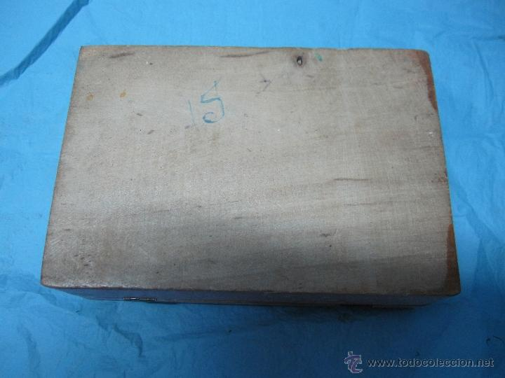 Juguetes antiguos y Juegos de colección: ANTIGUA CAJA CAJITA DE MADERA PINTADA CON MARIPOSAS CON ESPEJO PARA NIÑA - Foto 4 - 48223132