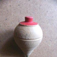 Juguetes antiguos y Juegos de colección: PEONZA DE MADERA CON PUNTA DE HIERRO. Lote 48368466